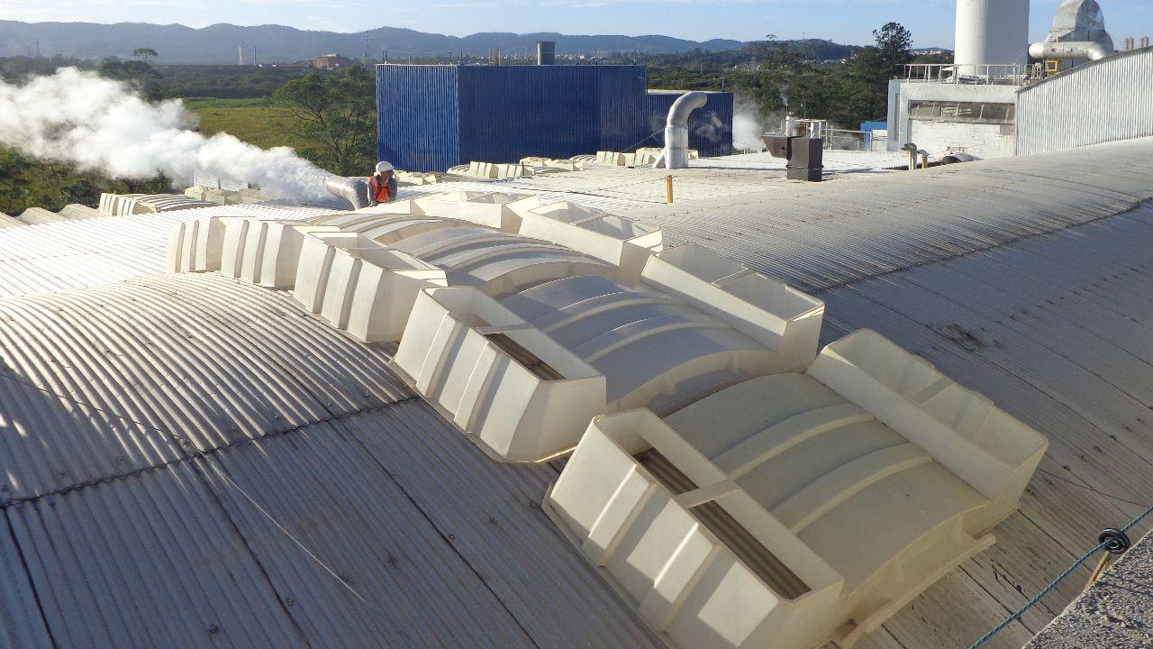 Exemplo de edificação com domos exaustores 70.